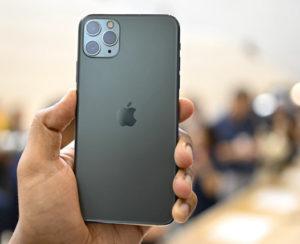Bonifica ambientale di un telefono smartphone Iphone della Apple